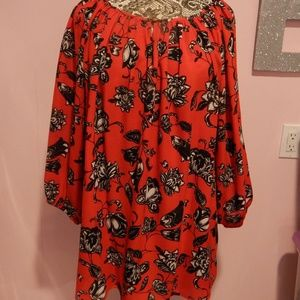 Vince Camuto Red Blouse With Black Design Size 1X